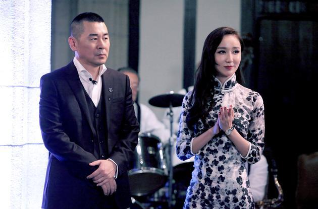 娄艺潇(右一)、陈建斌共同担任旁听生组老师.jpg