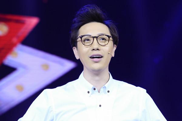 相声演员李鸣宇主持.jpg