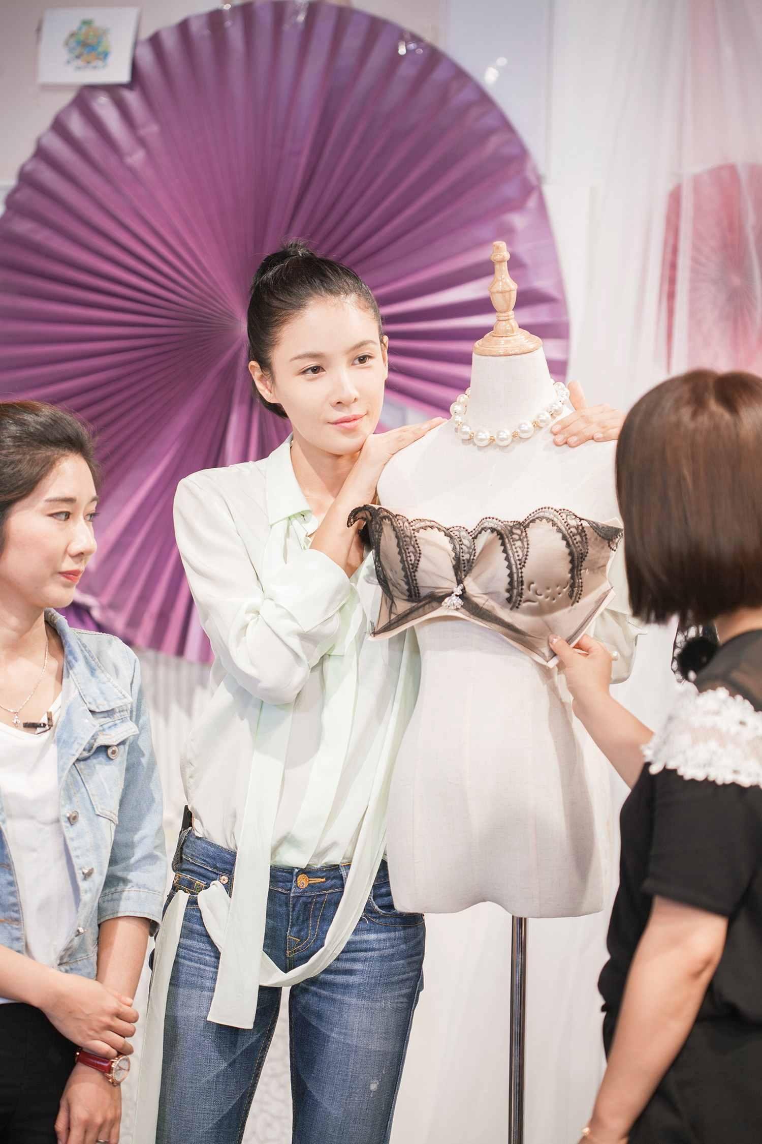 时尚跨界设计真人秀《中国在跨界》张蓝心2.jpg