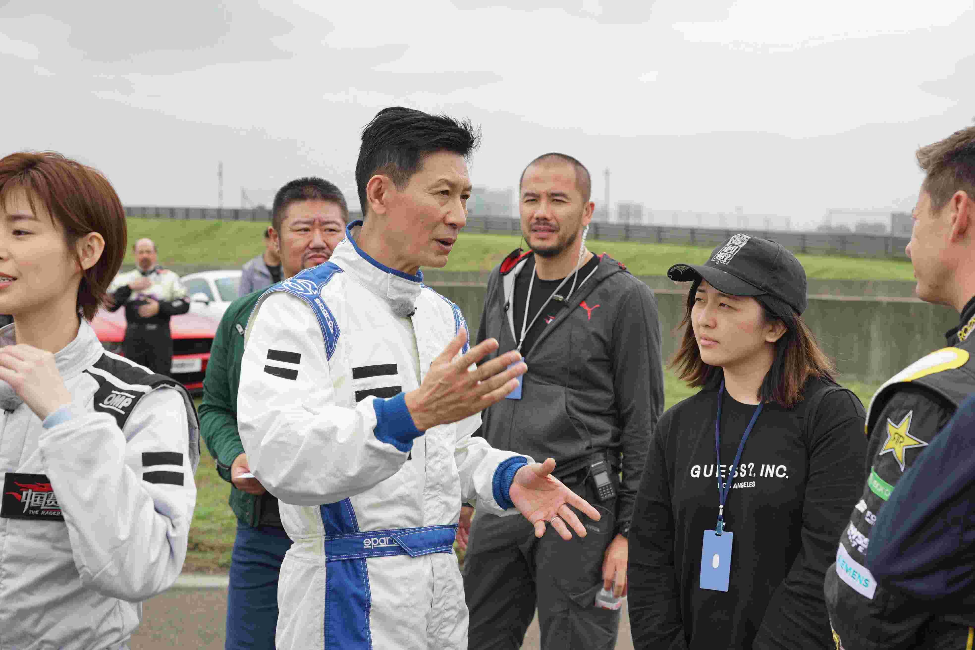 《中国赛车手之菜鸟驾道》王晓麟博士参加2.jpg