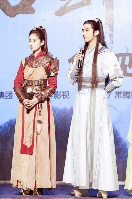 《古剑奇谭2》主演李治廷、颖儿.jpg