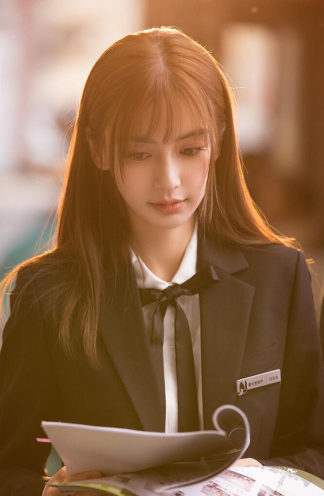 Angelababy《我的真朋友》空气刘海造型曝光 清纯甜美宛如少女1.JPG