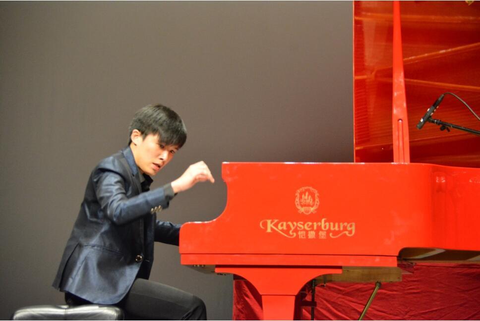 第八届香港金紫荆国际钢琴大赛 (3).jpg