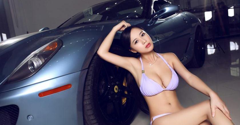性感尤物美女车模写真