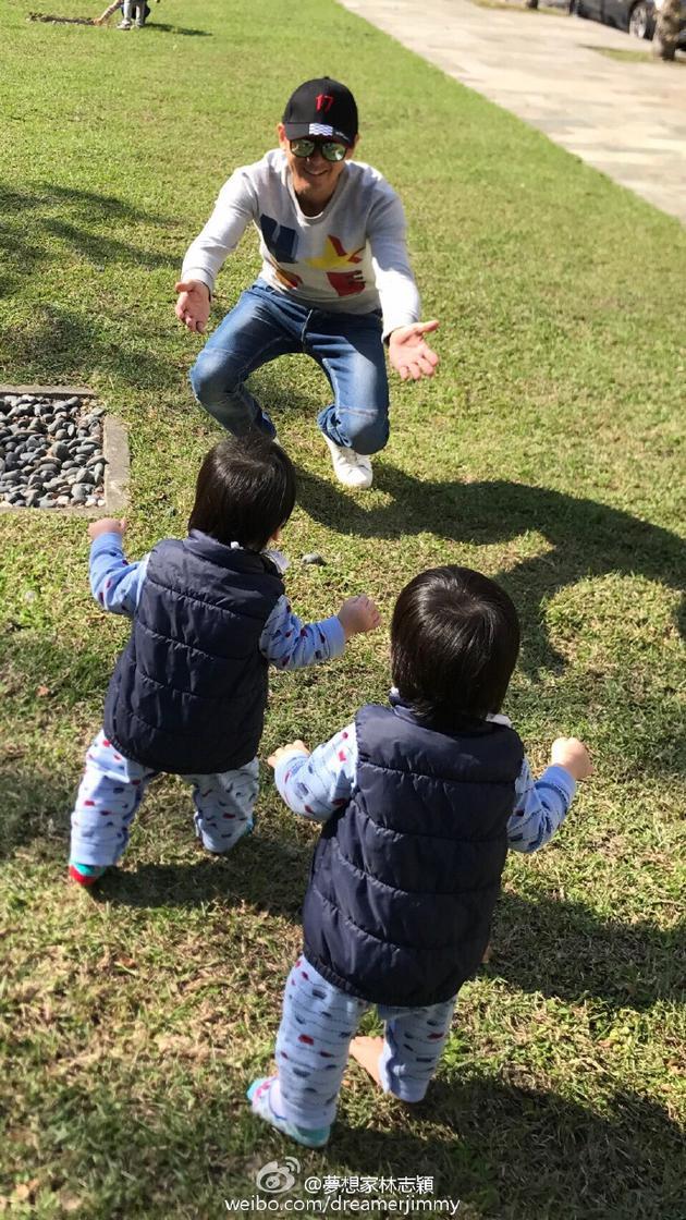 林志颖与两个儿子.jpg