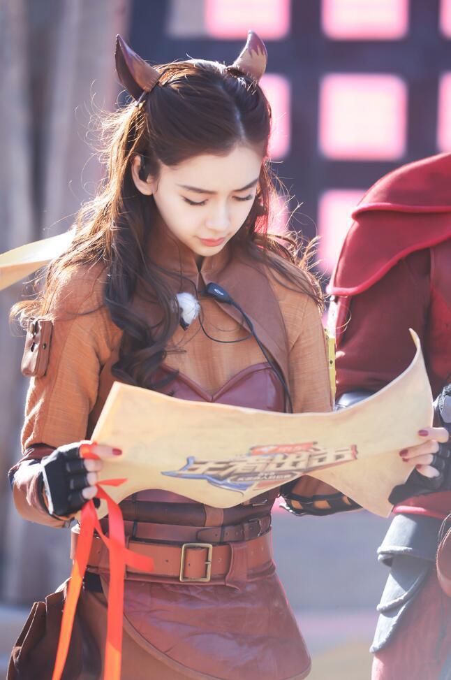 Angelababy新综艺逆风翻盘 获赞美貌与智慧并存妲己3.jpg